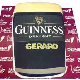 Pastel Forma de Pinta Guinness