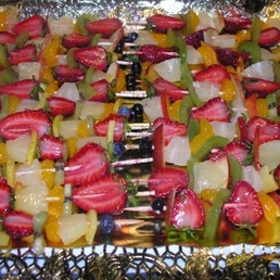 Brochetas de fruta catering Barcelona