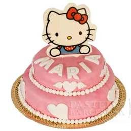 Pastel de pasta americana con dibujos japoneses  hello kitty tarta