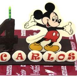 Foto de chocolate con nombre pasteles creativos